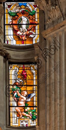 Genova, Duomo (Cattedrale di S. Lorenzo),  interno, Cappella Senarega o di Nostra Signora del Soccorso (abside meridionale): vetrata con putto.