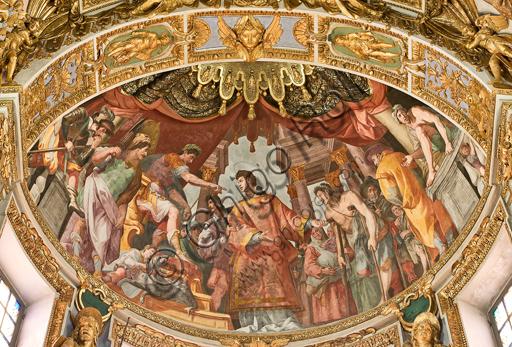 """Genova, Duomo (Cattedrale di S. Lorenzo), interno, catino absidale del presbiterio:""""S. Lorenzo addita i poveri e gli ammalati come il verso tesoro della Chiesa"""", 1622-4, affresco di Lazzaro Tavarone."""