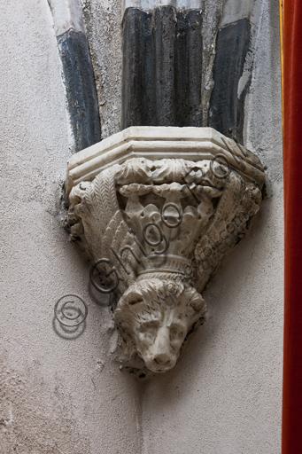 """Genova, Duomo (Cattedrale di S. Lorenzo), interno, navata settentrionale, Cappella De Marini, volta: """"peduccio dell'angolo Nord Ovest, con simbolo dell'evangellsta Marco"""", di Giovanni Gagini, 1452."""