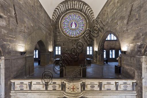 Genova, Duomo (Cattedrale di S. Lorenzo): la tribuna dalla navata.