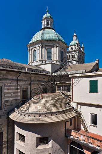 Genova, Duomo (Cattedrale di S. Lorenzo): l'abside della navata centrale, l'abside della navata settentrionale e la cupola da nord-est.