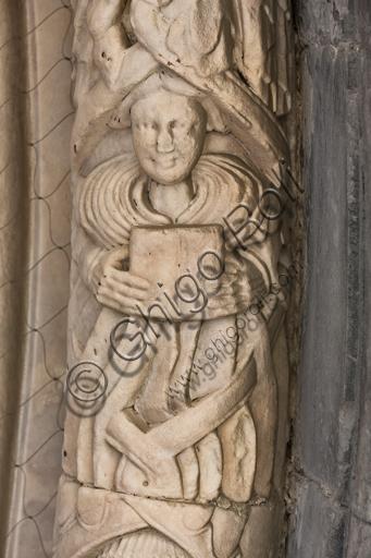 """Genova, Duomo (Cattedrale di S. Lorenzo), lato sud, portale di San Gottardo (1155 - 1160), lunetta, fascia interna: """"Profeta"""", di """"primo Maestro"""" e """"Primo aiuto"""" del portale di S. Gottardo."""