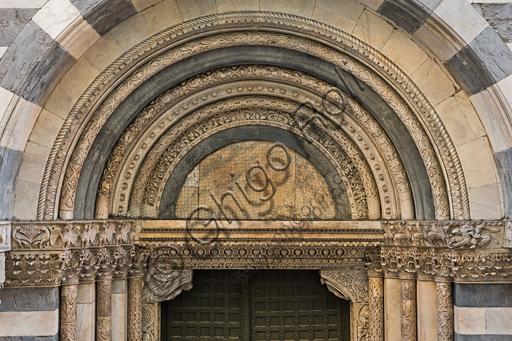 Genova, Duomo (Cattedrale di S. Lorenzo), lato sud, portale di San Gottardo (1155 - 1160): la lunetta.
