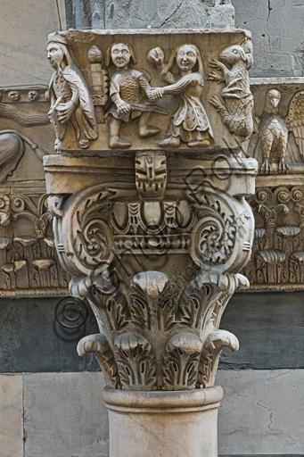 """Genova, Duomo (Cattedrale di S. Lorenzo), lato sud, portale di San Gottardo (1155 - 1160), protiro, capitello di destra, pulvino: """"Davide"""" (?) e """"Re Davide citaredo"""", di maestranza pisano - lucchese, """"primo maestro"""" e """"primo aiuto"""" del portale di S Gottardo."""