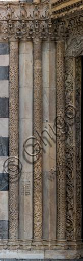 """Genova, Duomo (Cattedrale di S. Lorenzo), lato sud, portale di San Gottardo (1155 - 1160): fasci colonnari e stipiti di sinistra, di """"Primo Maestro"""" e """"Primo aiuto"""", """"Secondo Maestro"""" e """"Secondo aiuto"""", """"Terzo Aiuto"""" del portale di S. Gottardo."""