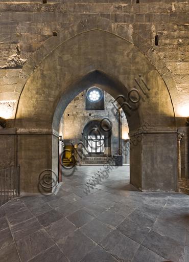 Genova, Duomo (Cattedrale di S. Lorenzo): parete sud della tribuna verso via S. Lorenzo.