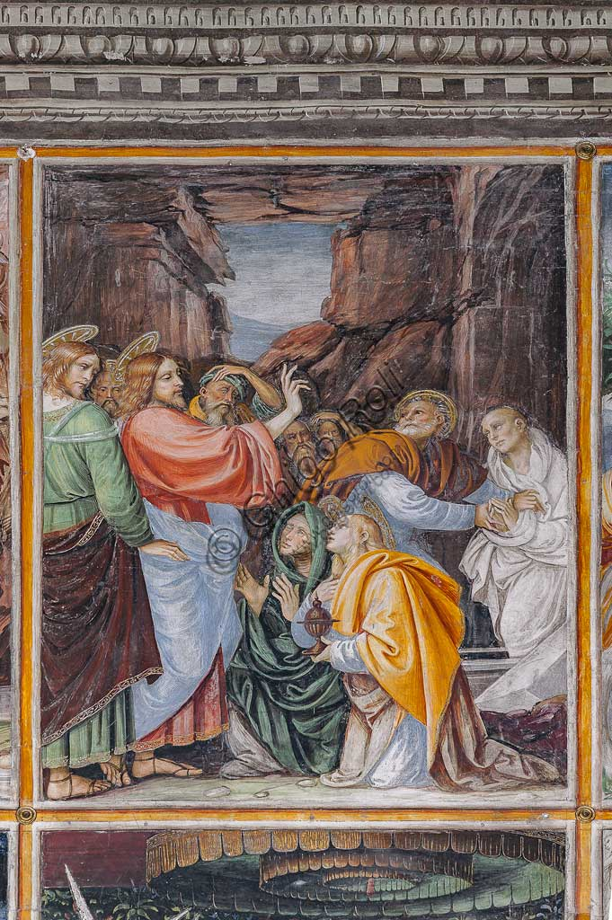 "Varallo Sesia, Church of Santa Maria delle Grazie: frescoes of the Gaudenzio Ferrari wall ""The life and the Passion of Christ"", by Gaudenzio Ferrari, 1513. Detail of ""Christ resurrecting Lazarus by the gesture of his hand""."