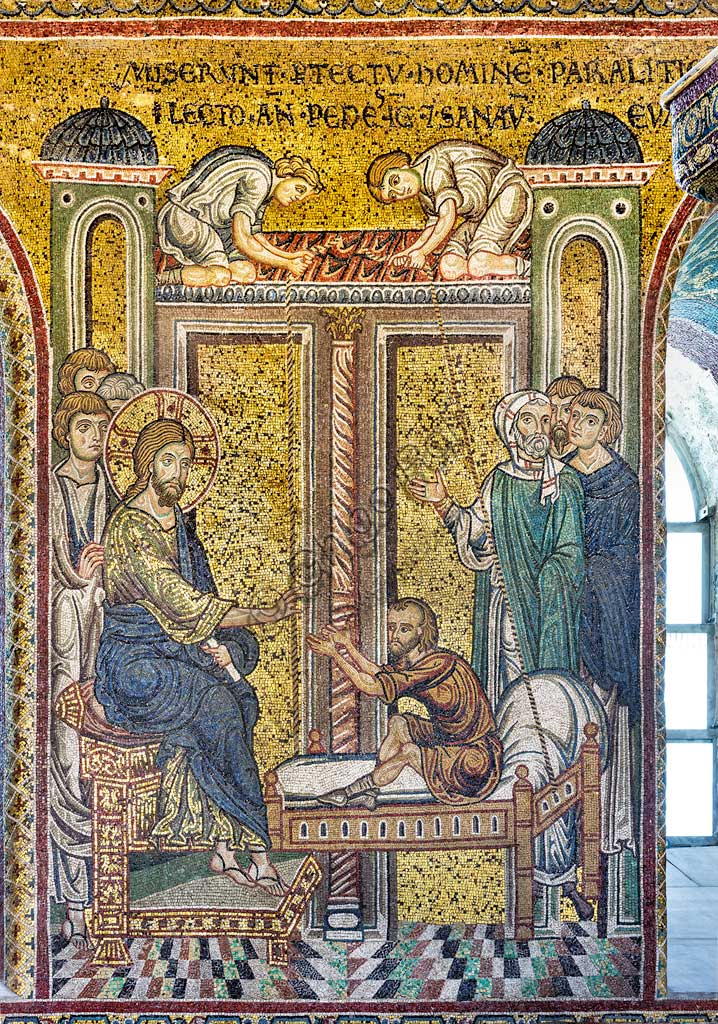 "Monreale, Duomo: ""Jesus healing the paralytic"", Byzantine mosaic, Episodes from the life of Christ, XII - XIII centuries. Latin inscription:""MISERUNT IN TEMPLUM HOMINEM PARALYTICUM IN LECTO ANTE PEDES IESU ET SANAVIT EUM"" ."