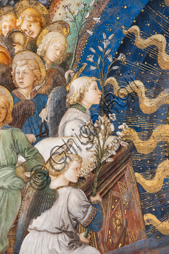 """Spoleto, the Duomo (Cathedral of S. Maria Assunta), presbytery, apse bowl-shaped vault: """"Coronation of Mary"""", fresco by Filippo Lippi, helped by Fra' Diamante and Pier Matteo d'Amelia, 1468-9. Detail with angels holding lilies, flowers which are the symbole of purity."""
