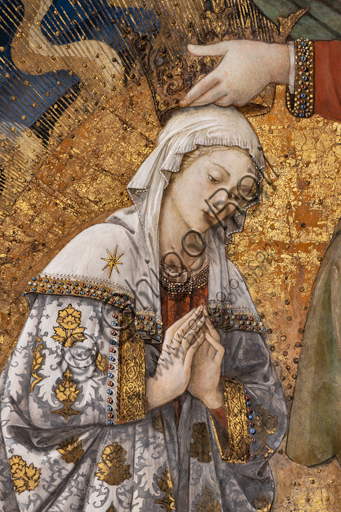 """Spoleto, the Duomo (Cathedral of S. Maria Assunta), presbytery, apse bowl-shaped vault: """"Coronation of Mary"""", fresco by Filippo Lippi, helped by Fra' Diamante and Pier Matteo d'Amelia, 1468-9. Detail with the Virgin Mary."""