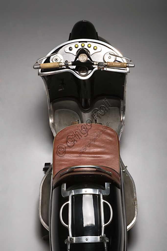 Ancient Motorbike Bastert Einspurauto 175. Scooter.
