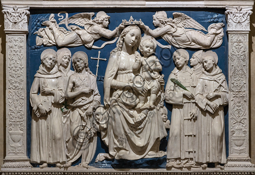"Basilica of the Holy Cross, Medici Chapel: ""The Virgin Mary with Infant Jesys between Angels and Saints"", about 1480, by Andrea Della Robbia, glazed terracotta.Detail."
