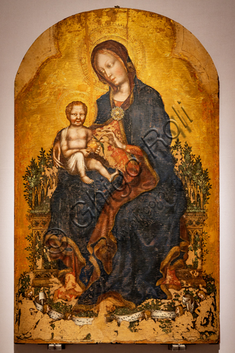 """Perugia, National Gallery of Umbria: """"Enthroned Madonna with Child and Angels """", by Gentile da Fabriano, 1405 - 10, tempera on panel."""