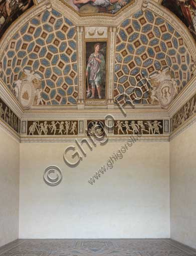 Mantua, Palazzo Te (Gonzaga's Summer residence), Camera degli Imperatori (Chamber of the Emperors): view of the chamber with a fresco portraying Julius Caesar.