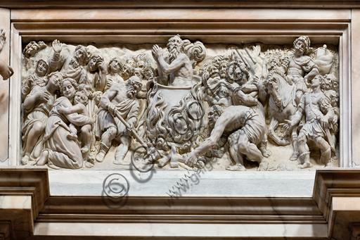 """Genova, Duomo (Cattedrale di S. Lorenzo), interno, presbiterio, parete nord, formella: """"il Martirio di S. Giovanni Evangelista"""", 1623-4, di Tommaso Orsolino e Lodisio Ceresola."""