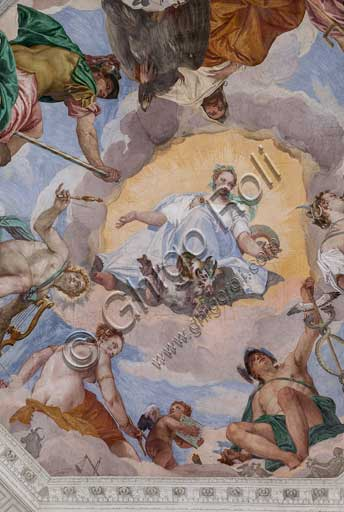 Maser, Villa Barbaro, the Hall of Olympus, the vault, the central octagon: the Universal Harmony is surrounded by gods (Zeus with an eagle, Mars, Apollo with the lyre, Venus, Mercury with caduceus, Diana with dogs, and Saturn). Frescoes by Paolo Caliari, known as il Veronese, 1560 - 1561.