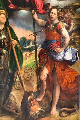 """Modena, Galleria Estense: """"Madonna con Bambino tra i Santi Giorgio e Michele Arcangelo"""",  di Giovanni Luteri, conosciuto come Dosso Dossi . Olio su tavola (circa 1518). Particolare."""