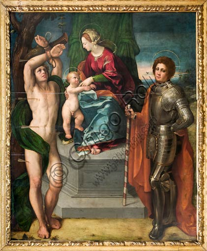 Modena, Galleria Estense: Madonna col Bambino e i Ss. Sebastiano e Giorgio, di Giovanni Luteri conosciuto come Dosso Dossi.