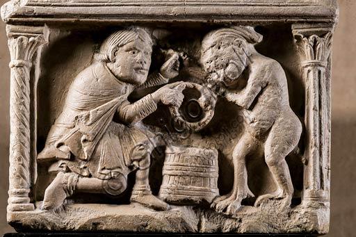 Modena, Museo Civico d'Arte: Acquasantiera con la leggenda del patto tra il cavaliere e il diavolo, di scultore emiliano, inizio sec. XII. Marmo. Particolare.