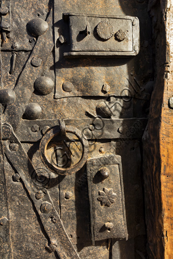 Modena, Ghirlandina Tower, the room of the Stolen Bucket: the entrance door lock.