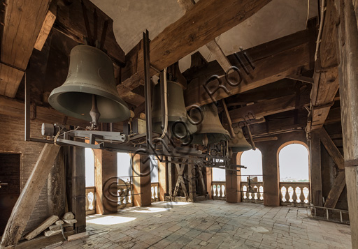 Modena, Ghirlandina Tower: the bell cell.