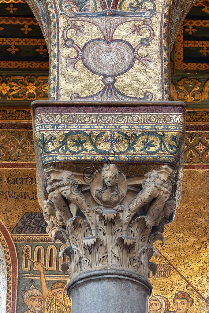 Monreale, Duomo: Corinthian capital, dating back to Roman age, between the Northern nave and the main one.
