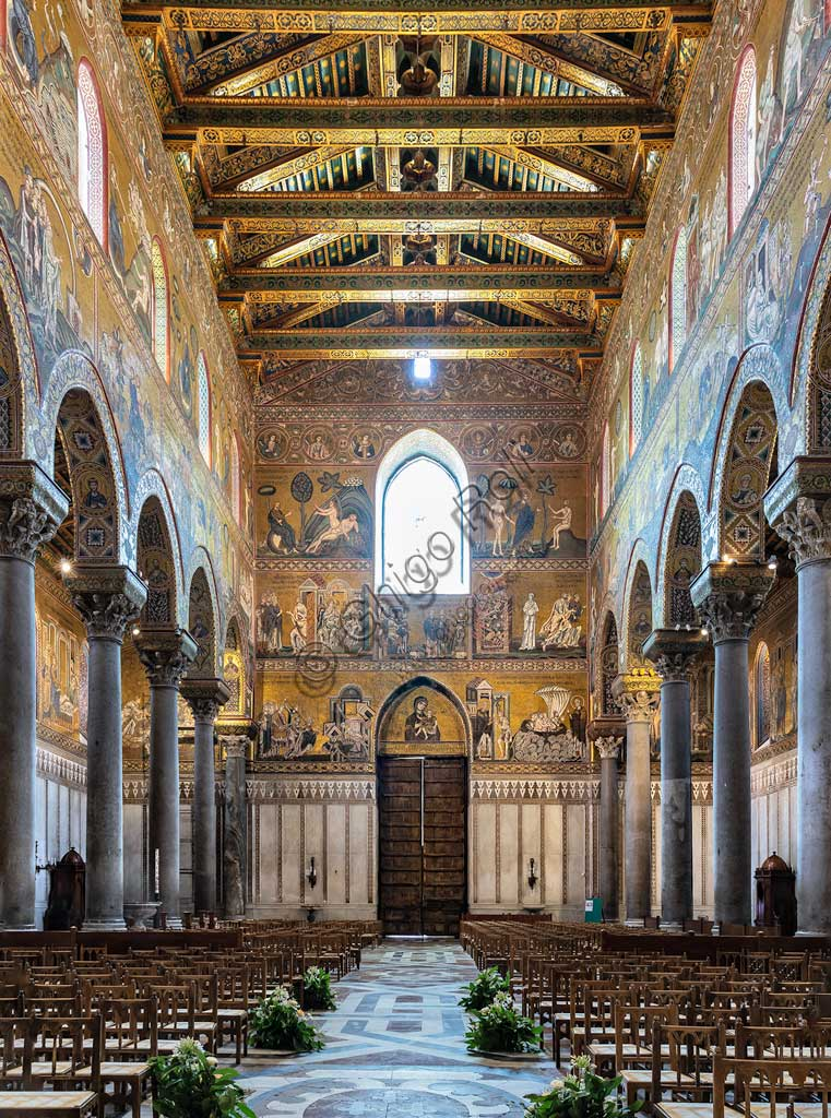 Monreale, Duomo: view of the nave and the  counterfaçade. The walls are decorated by byzantine mosaics (XII - XIII centuries).