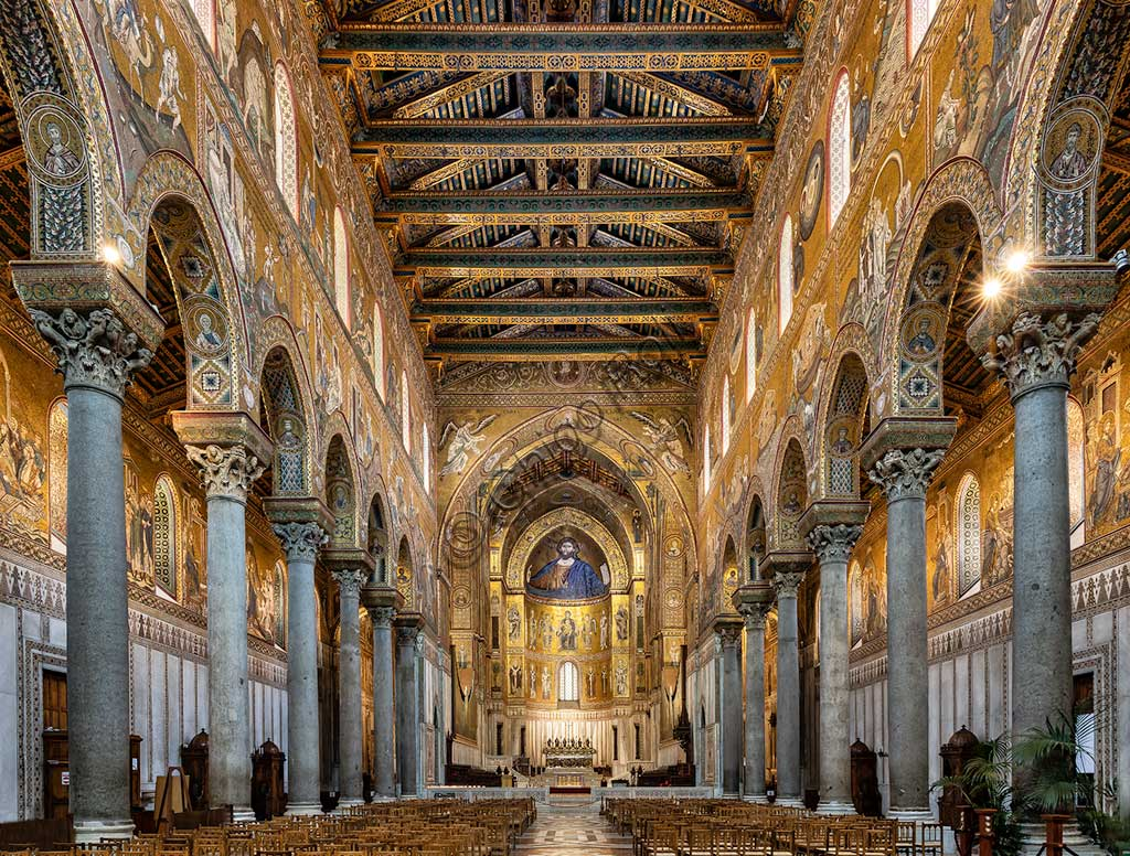 Monreale, Duomo: view of the nave. The walls are decorated by byzantine mosaics.