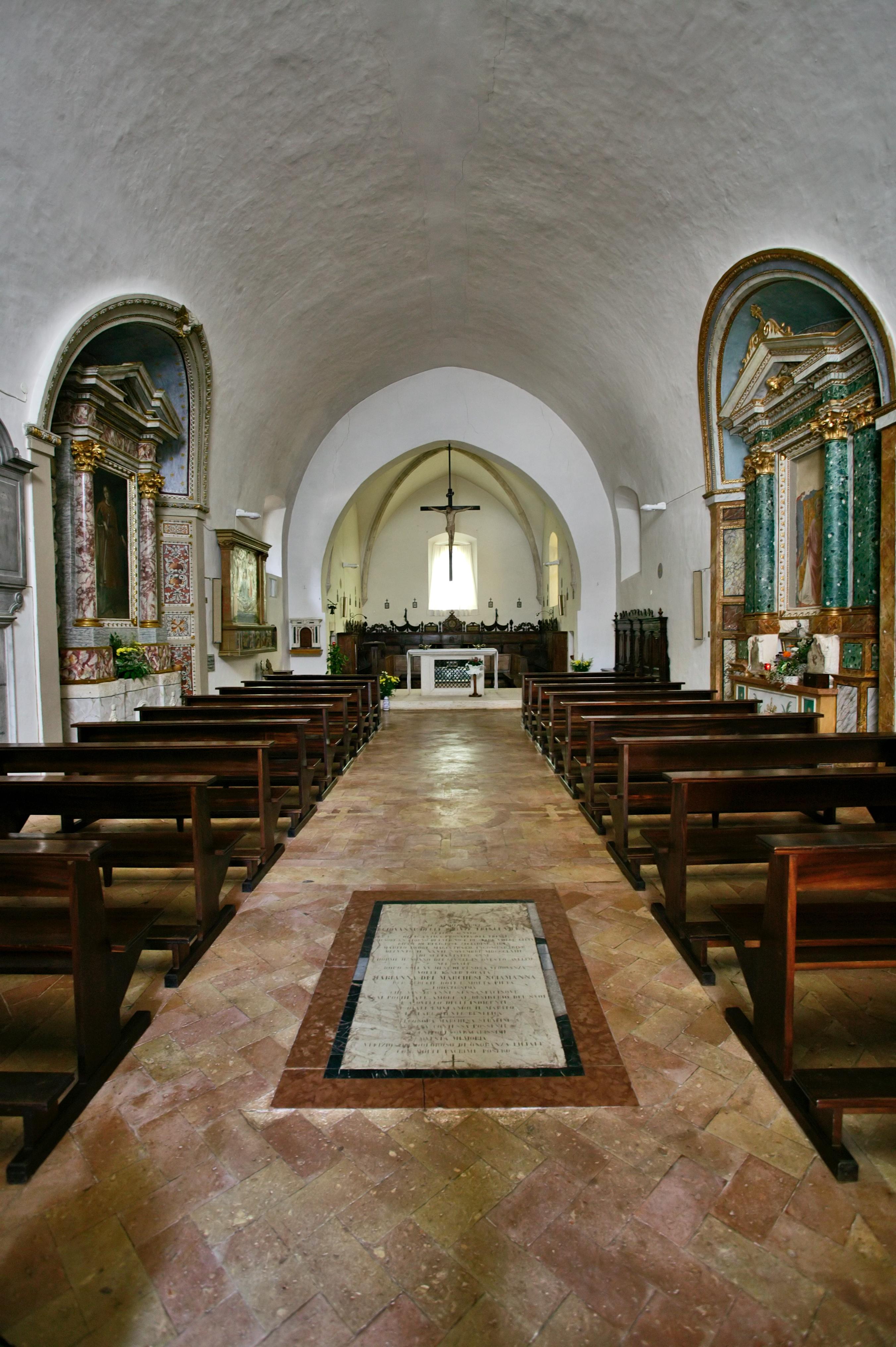 Montefalco, Chiesa di San Fortunato: interno.