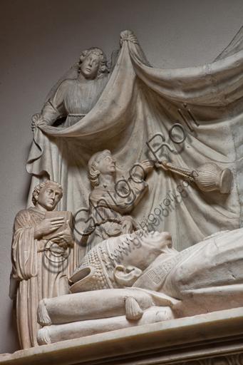"""Genova, Duomo (Cattedrale di S. Lorenzo), interno, navata settentrionale, Cappella De Marini: """"Monumento funebre a Giorgio Fieschi"""", di Giovanni Gagini, 1461.Particolare della statua del defunto."""