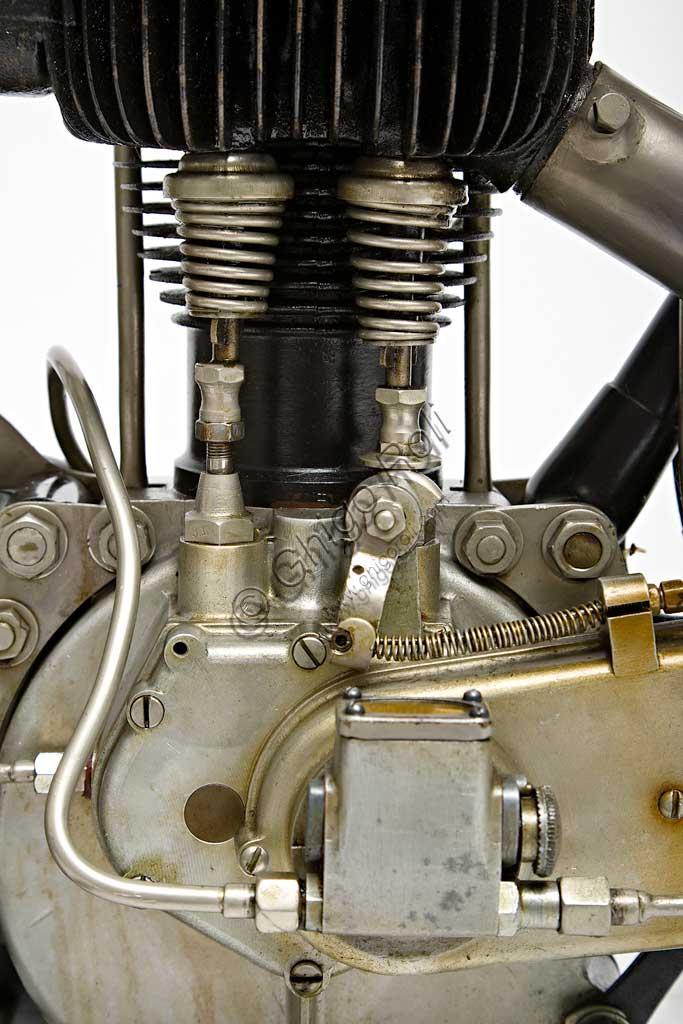 Ancient Motorbike AJS ES 350. Engine.