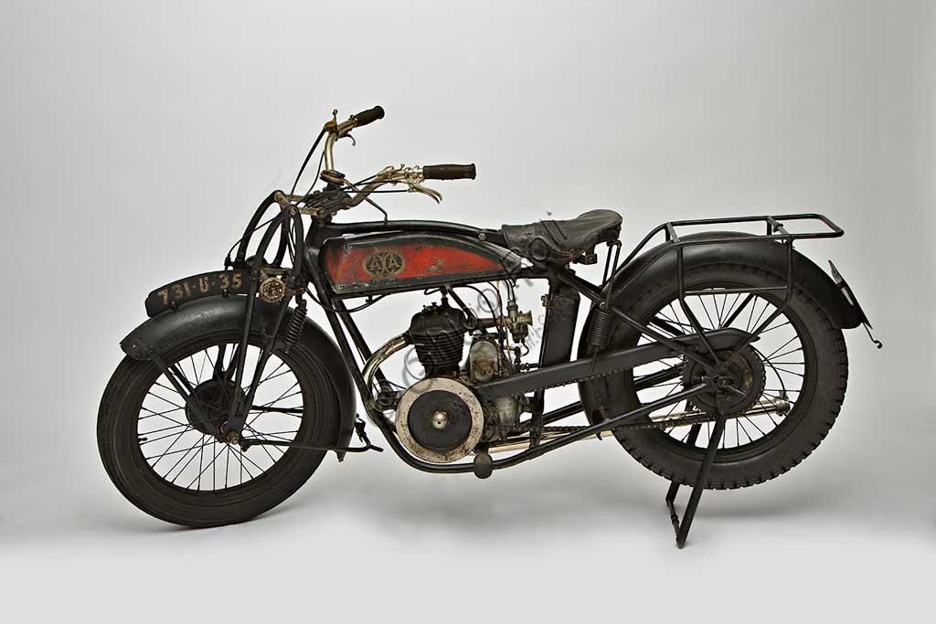 Ancient Motorbike Axa