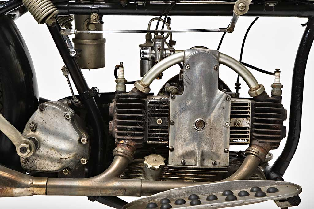 Ancient Motorbike Douglas EW 350. Engine.