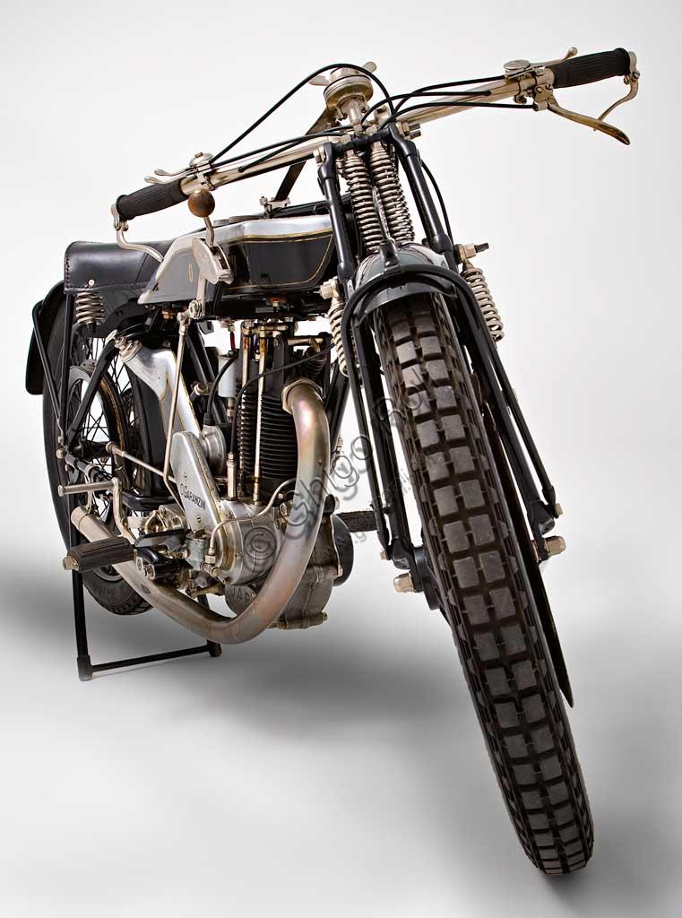 Ancient Motorbike Garanzini 350 HP 3