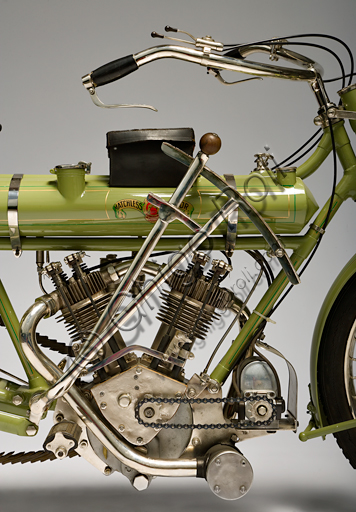 Vintage Matchless motorcycle, 700 V Twin.Brand: Matchless / Collier & Sonsmodel: 700 V Twincountry: United Kingdom - Plumstead (London)year: 1912conditions: restoreddisplacement: 680 cc. (bore and stroke 70x88)engine: JAP 50 ° V-twin with overhead valvesgearbox: gradual pulley variator and belt transmissionH.H. Collier, created his first Matchless bike in 1889, startingone of the oldest British brands. The sons who are also pilots follow him in the enterprise: Charlie, who wins the first Tourist Trophy in history in 1907, Harry wins in 1909 and again Charlie triumphs in 1910. Matchless produced numerous models until 1960.