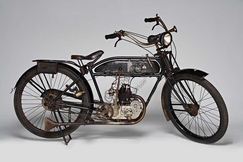 Ancient Motorbike  Mignon 125 N.