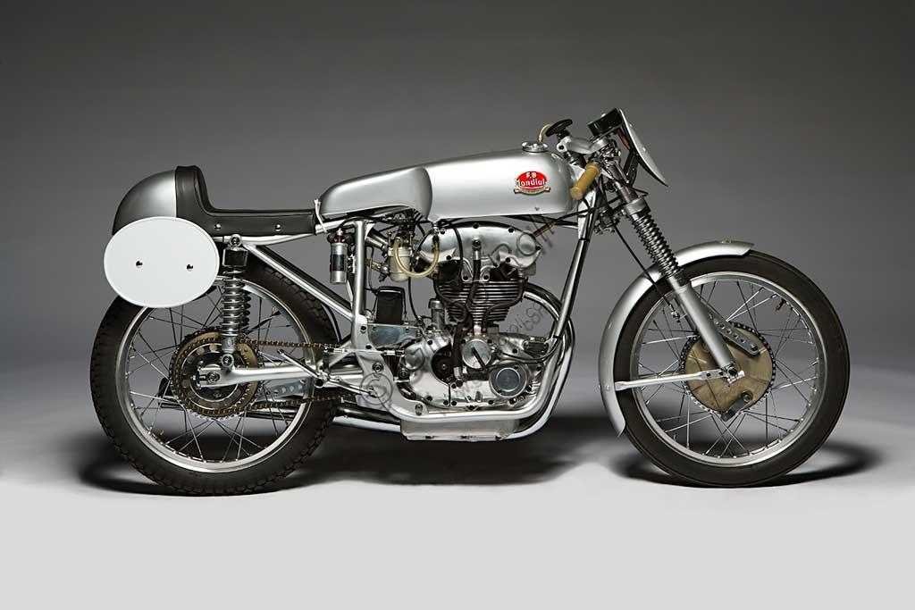 Ancient Motorbike Mondial  175