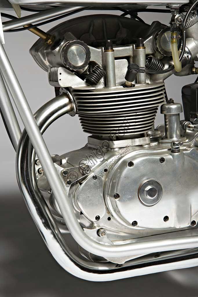 Ancient Motorbike Mondial  175. Engine.