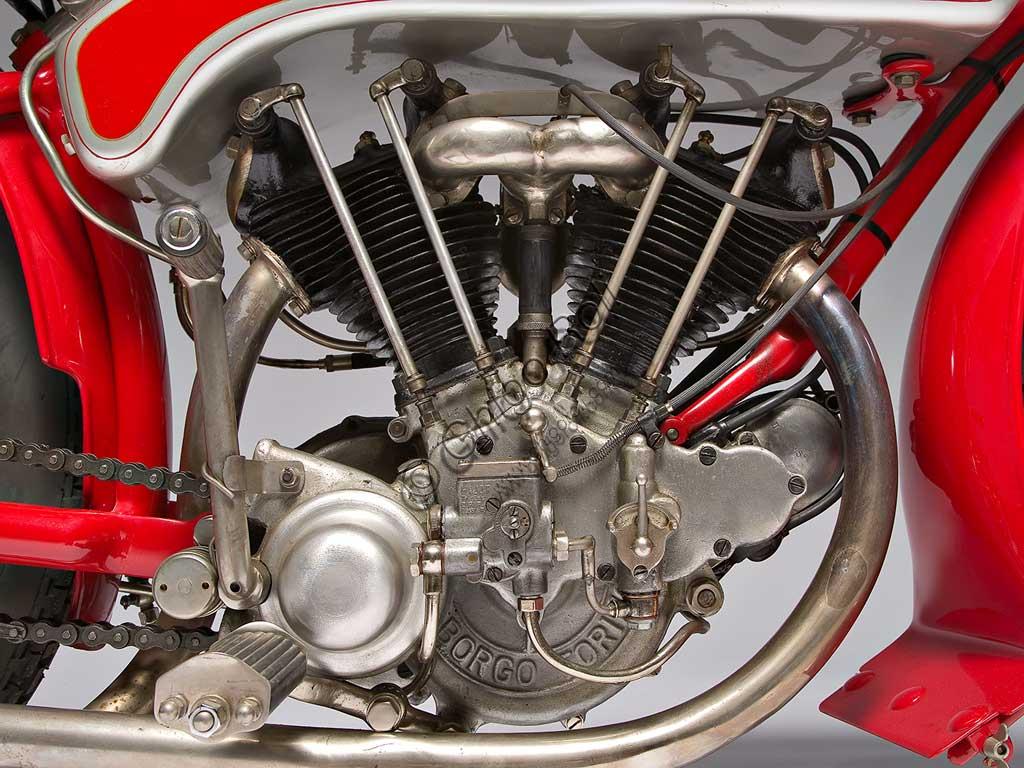 Ancient Motorbike Motoborgo 500. Engine.