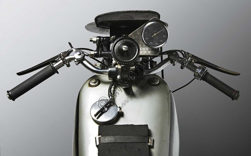 Ancient Motorbike Norton 500 International Racing