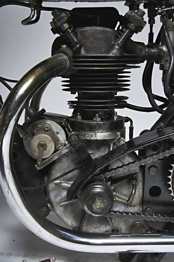 Ancient Motorbike 350 TT Replica. Engine.