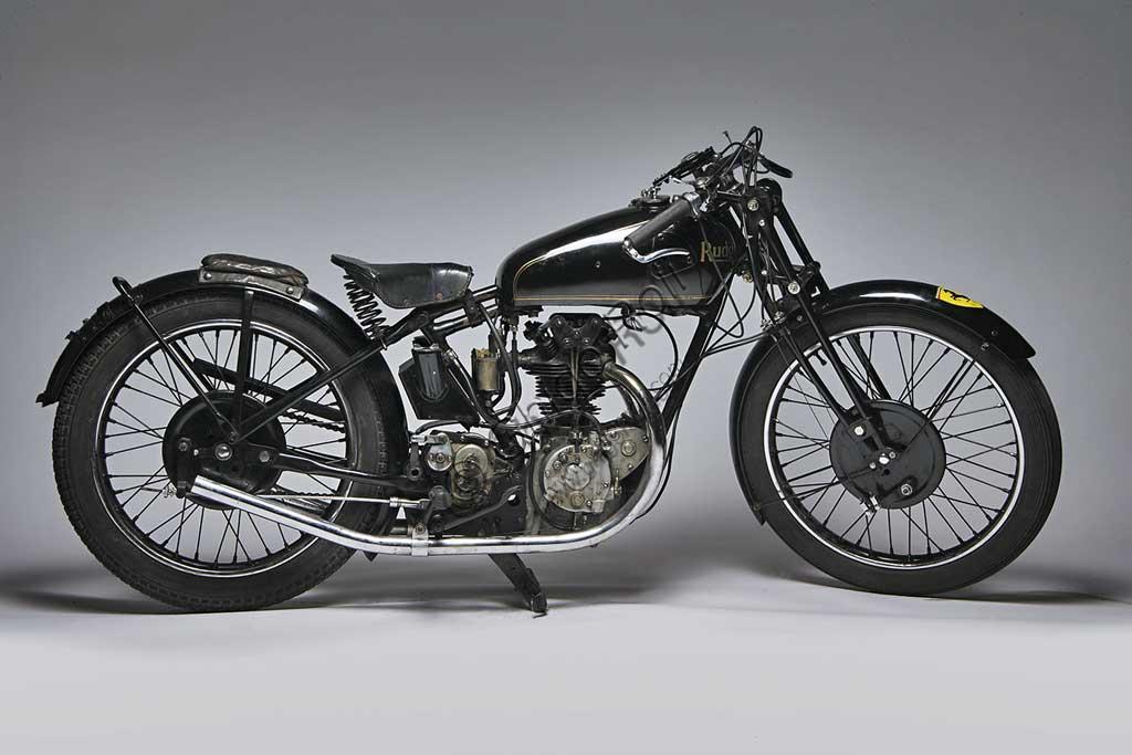 Ancient Motorbike 350 TT Replica