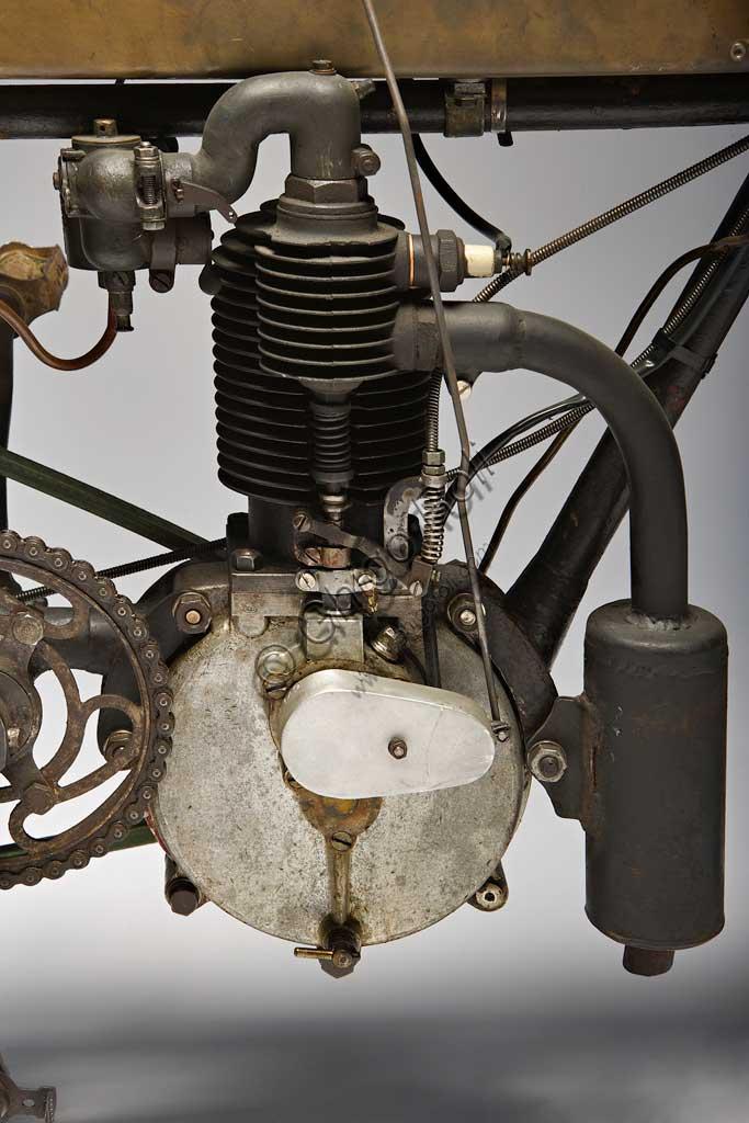 Ancient Motorbike Zedel - Frera 3 Hp. Engine.