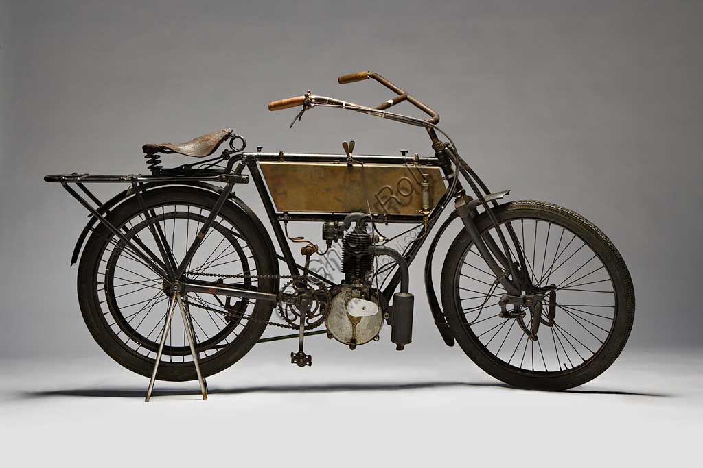 Ancient Motorbike Zedel - Frera 3 Hp