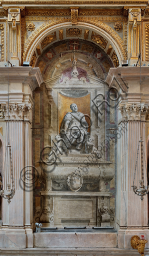 """Genova, Duomo (Cattedrale di S. Lorenzo), interno, Cappella Lercari o del Santissimo Sacramento (abside settentrionale),  fianco settentrionale: """"Il munumento funebre di Franco Lercari"""", di Luca Cambiaso, post 1569."""