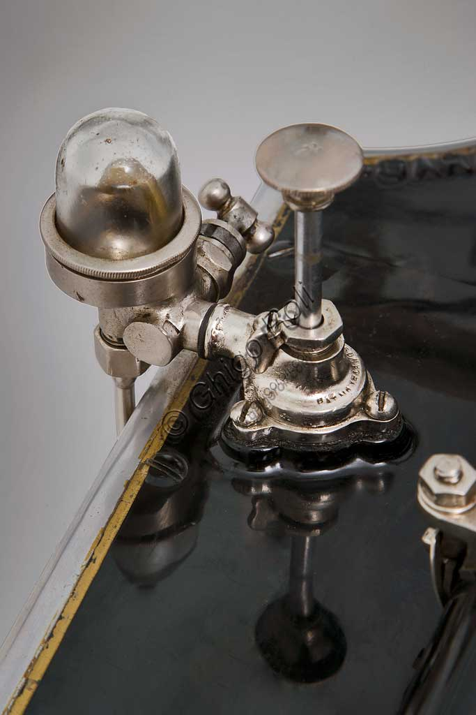 """Collezione di moto d'epoca """"Nello Salsapariglia"""" : Motocicletta Garanzini 350, anno 1925, montava motore Jap e freni a cerchietto. Aveva caratteristiche innovative."""