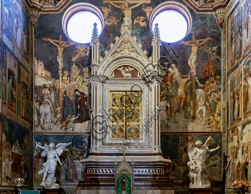 Orvieto, Basilica Cattedrale di Santa Maria Assunta (o Duomo), interno: la Cappella del Corporale con il tabernacolo marmoreo su disegno di Niccolò da Siena (1385) e poi continuato sotto la direzione dell'Orcagna. Gli affreschi sono di Ugolino di Prete Ilario e aiuti. (1357-64).