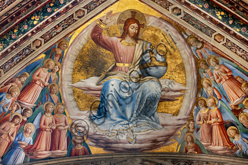 Orvieto,  Basilica Cathedral of Santa Maria Assunta (or Duomo), the interior, Chapel Nova or Chapel of St. Brizio, the vault: the rib vault with Christ the judge and angels, fresco by Beato Angelico with some additions (borders and heads) by Benozzo Gozzoli, 1447-9.
