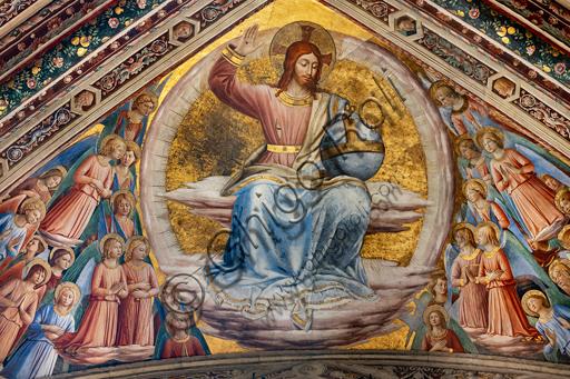 Orvieto, Basilica Cattedrale di Santa Maria Assunta (o Duomo), interno, Cappella Nova o Cappella di S. Brizio, la volta: vela con Cristo giudice e angeli, affresco di Beato Angelico con alcune integrazioni (bordure e testine) di Benozzo Gozzoli, 1447-9.