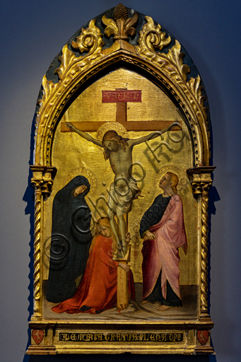 Orvieto, MODO (Museum of the Opera of the  Duomo of Orvieto):  Jesus Crucified between the Madonna, Magdalene and St. John the Evangelist, tempera and gold on panel, by Spinello Aretino, last decade of the fourteenth century.
